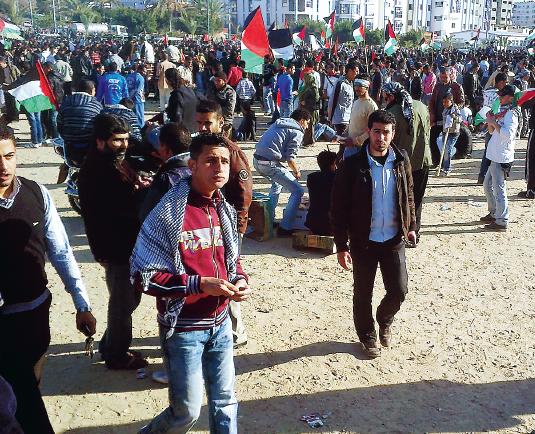 Gaza i botten Björn Brenner Neo nr 2 2012 protester foto Bashar Lubbad