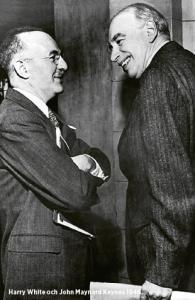 Harry White och John Maynard Keynes. Den amerikanske byråkraten och Sovjetspionen och den brittiske ekonomen som var huvudaktörerna i det omtalade mötet i Bretton Woods 1944. Här 1945. Foto: International Monetary Fund / CC / Wikimedia Commons