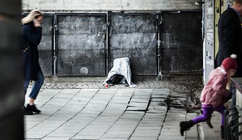 EU-migranterna har kunnat resa genom hela Europa ända upp till Sverige utan att fråga någon om lov. Misären på gatan är däremot inte vacker.