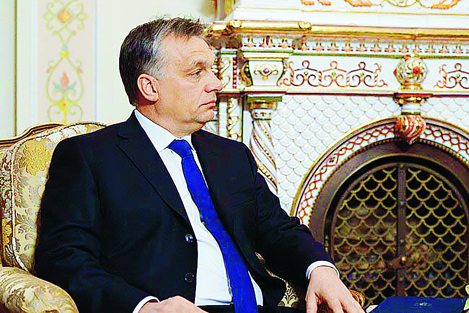 Fidesz har övergivit liberalismen för en konservativ, ibland nästan reaktionär och alltså öppet anti-liberal, agenda. De uniformerade fascisterna i Jobbik har blivit landets tredje största parti. Gamla sunkiga stämningar mot romer och andra minoriteter lever kvar. Foto: Kremlin.ru