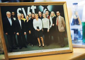 """""""Uppfostrade att ifrågasätta alla auktoriteter."""" Så beskriver Eva Hamilton kollegerna på SVT. Foto: Karl Gabor."""