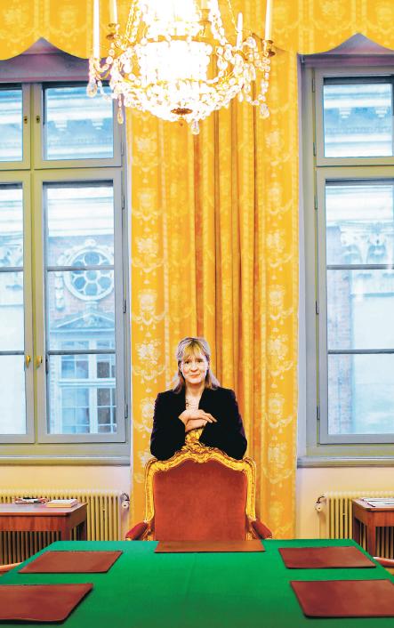 """""""Jag är i grunden en praktisk jurist och ingen teoretiker"""", säger Marianne Lundius. Foto: Karl Gabor."""