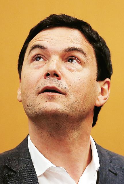Trots låg inkomstojämlikhet ökar betydelsen av gamla pengar som ärvs snabbare i Thomas Pikettys Frankrike än någon annanstans, enligt hans datasamling. Men det beror på att ekonomin har stagnerat till följd av socialistisk politik, inte på något inneboende i kapitalismen.  Foto: Justin Sullivan / Getty Images North America / TT