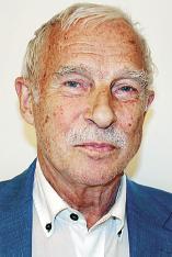 Nils Lundgren Doktor i nationalekonomi från Stockholms universitet.  Tidigare chefekonom för Nordea och  Europaparlamentariker för Junilistan.