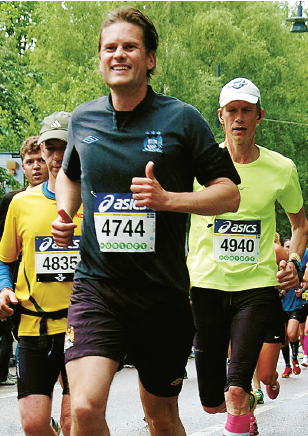 Artikelförfattaren springer Stockholm maraton 2014. Foto: Marathonfoto